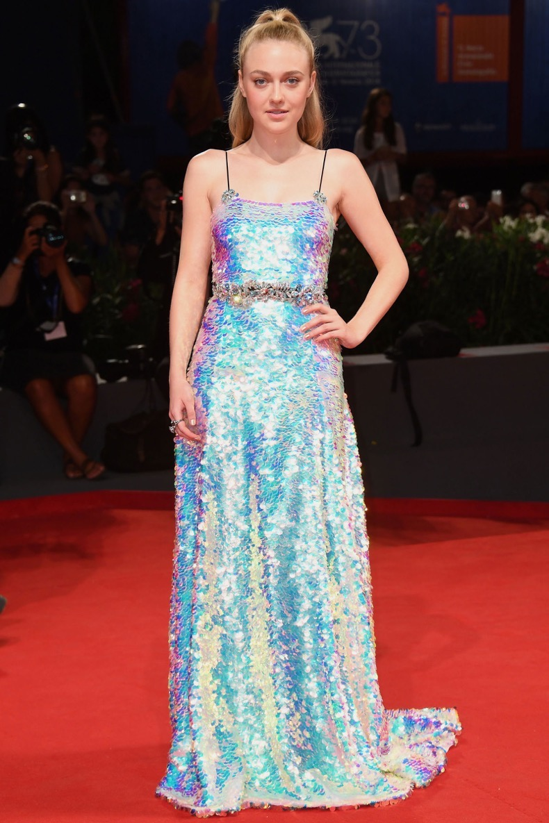 hbz-best-red-carpet-looks-of-the-year-dakota-fanning