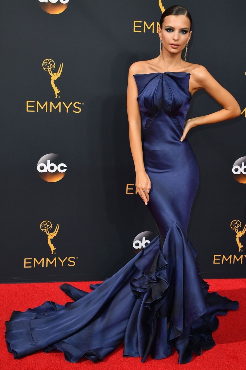hbz-best-red-carpet-looks-of-the-year-emily-ratajkowski