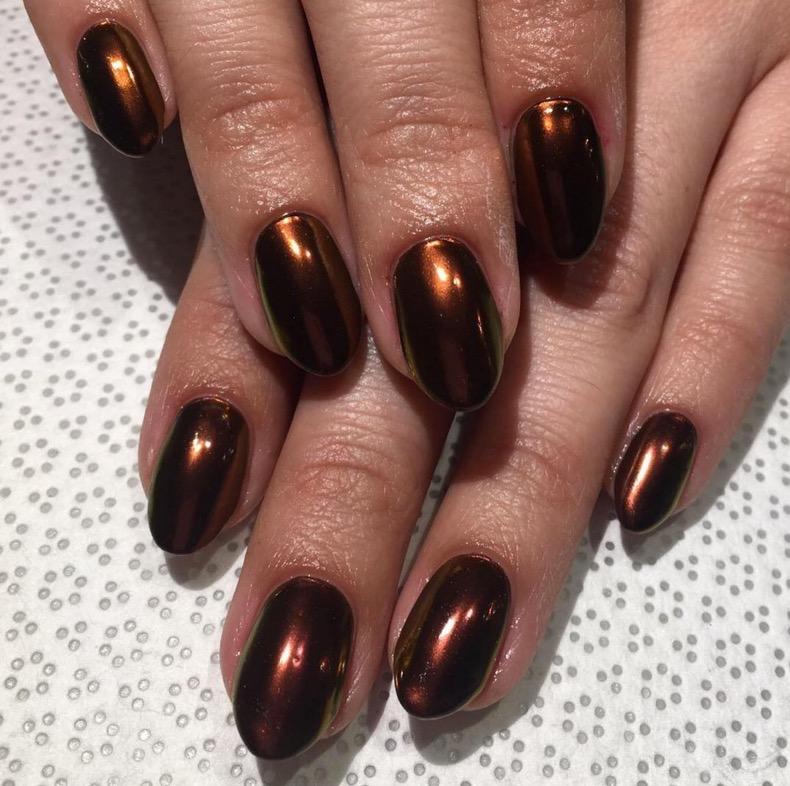 hbz-holiday-nails-03