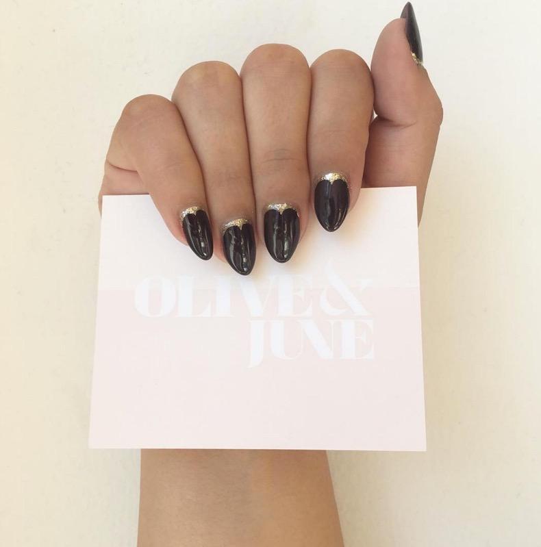 hbz-holiday-nails-04