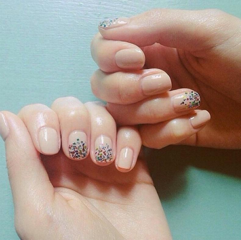 hbz-holiday-nails-06
