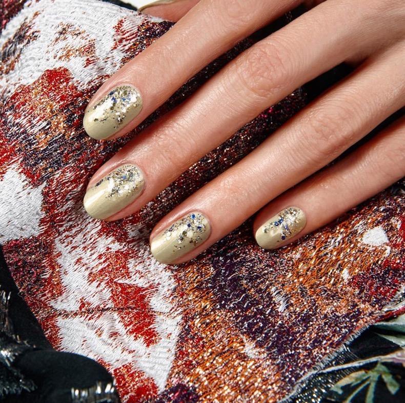 hbz-holiday-nails-07
