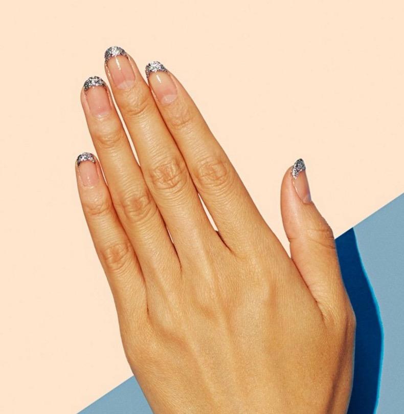 hbz-holiday-nails-08