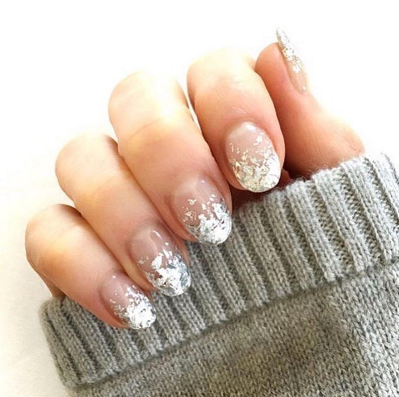 hbz-holiday-nails-09