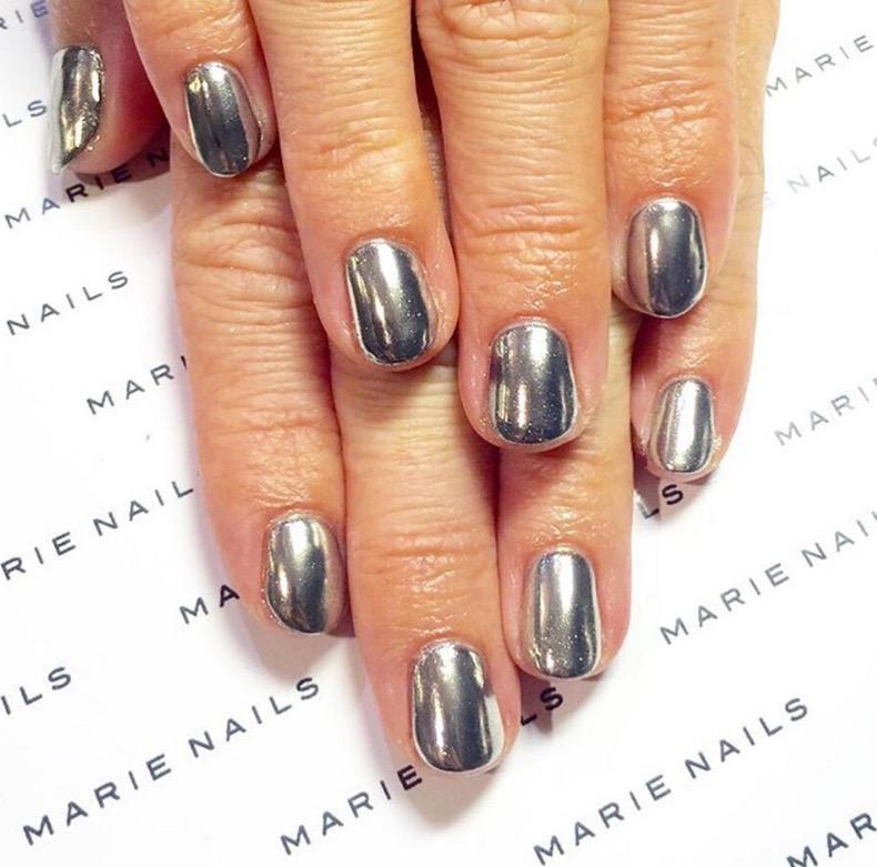 hbz-holiday-nails-13