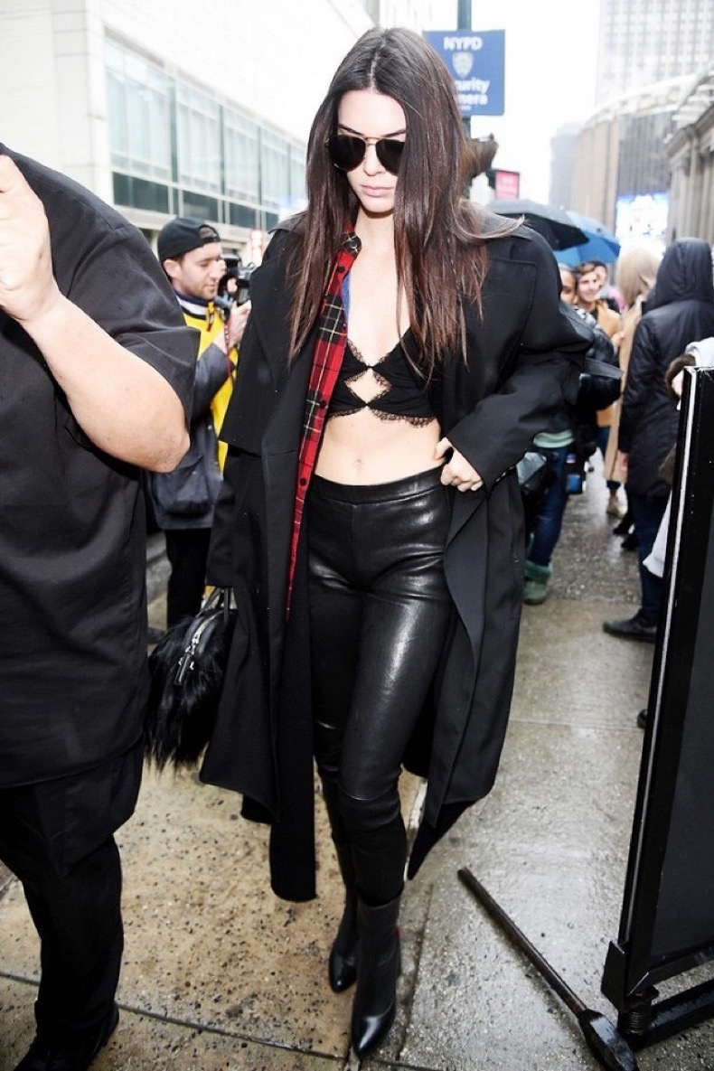 kendall-jenner-just-wore-a-lace-bralette-out-in-nyc-1661290-1455737511-640x0c