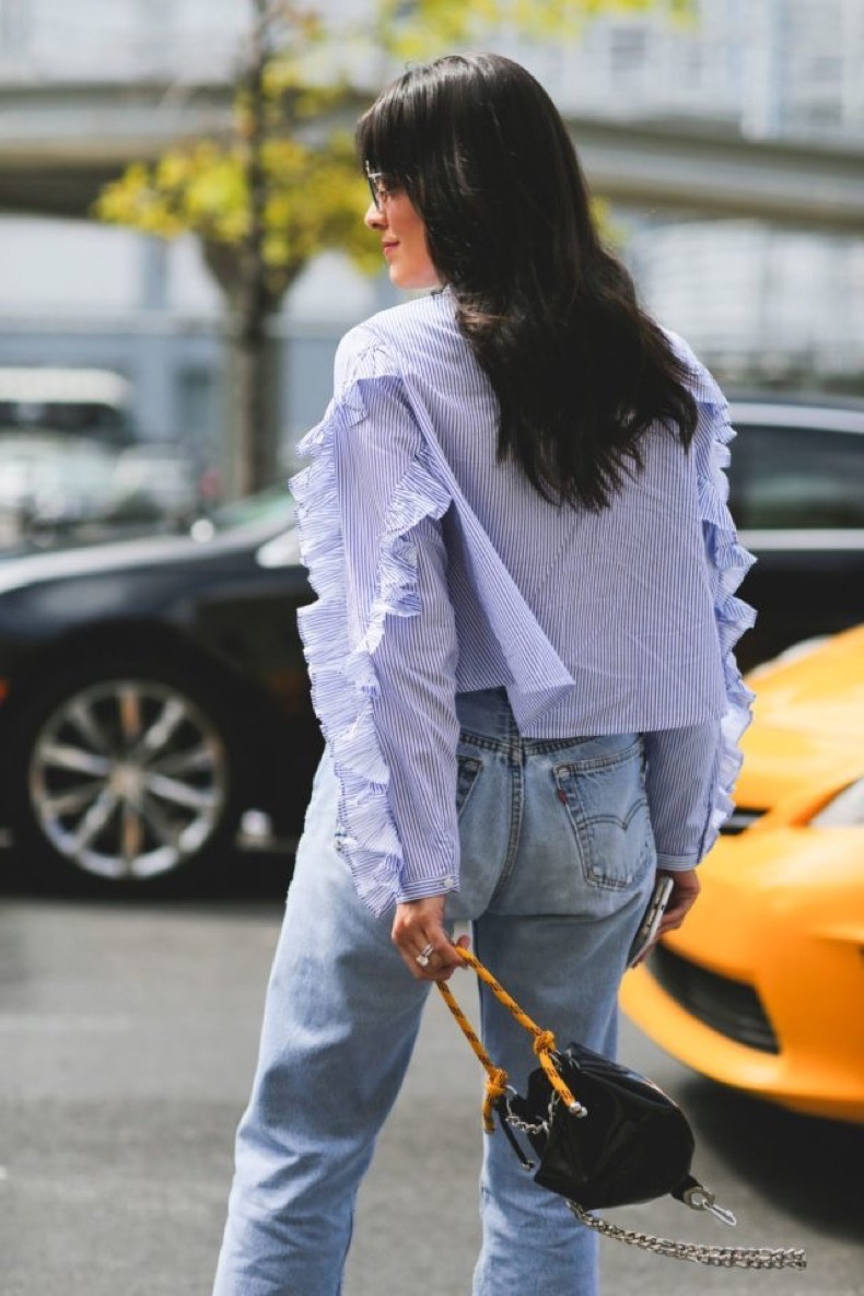 mom-jeans-ruffles-nyfw-street-style-ref-640x960