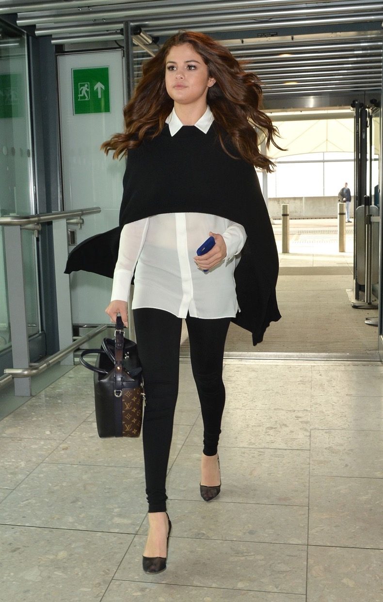 selena-gomez-at-london-heathrow-airport-3-11-2016-1
