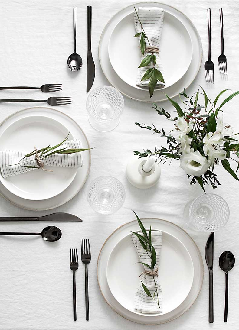 simple-minimal-table-setting