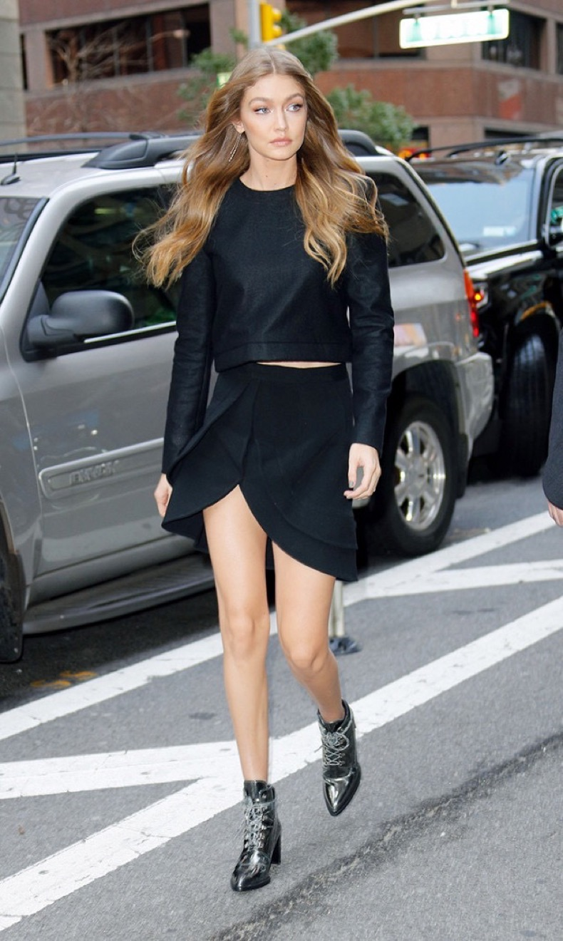 the-7-items-you-need-for-a-gigi-hadid-closet-1966156-1478373275-640x0c