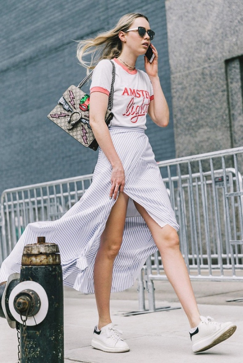 the-shirt-trend-that-will-definitely-be-around-in-2017-1983480-1479492586-600x0c