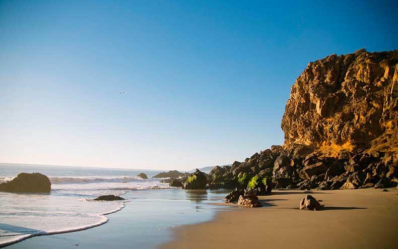 zuma-beach-malibu-california-wrldsnst1122