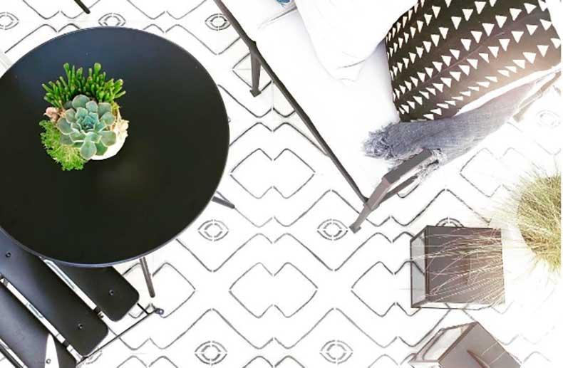 1jessica-alba-outdoor-space-instagram