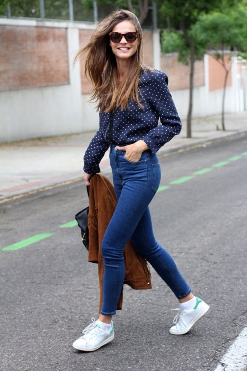 high-waisted-jeans-street-style-8