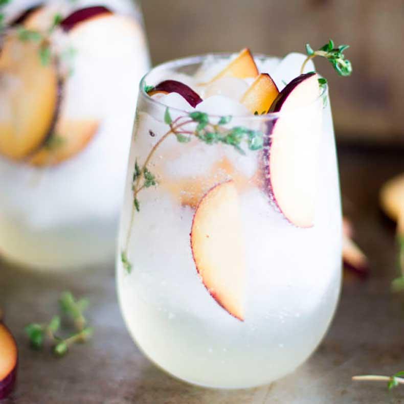 plum-prosecco-cocktail-600x600