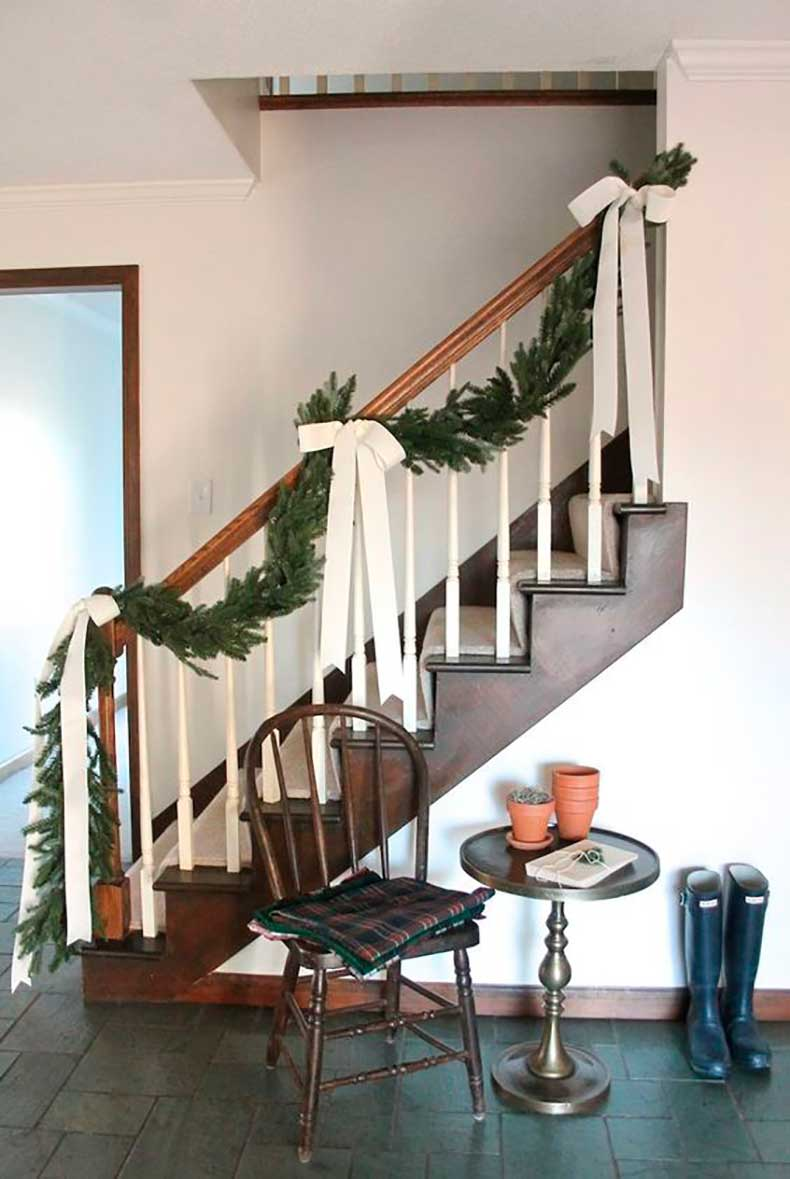 fir-tree-and-bow-xmas-decoration-for-your-home