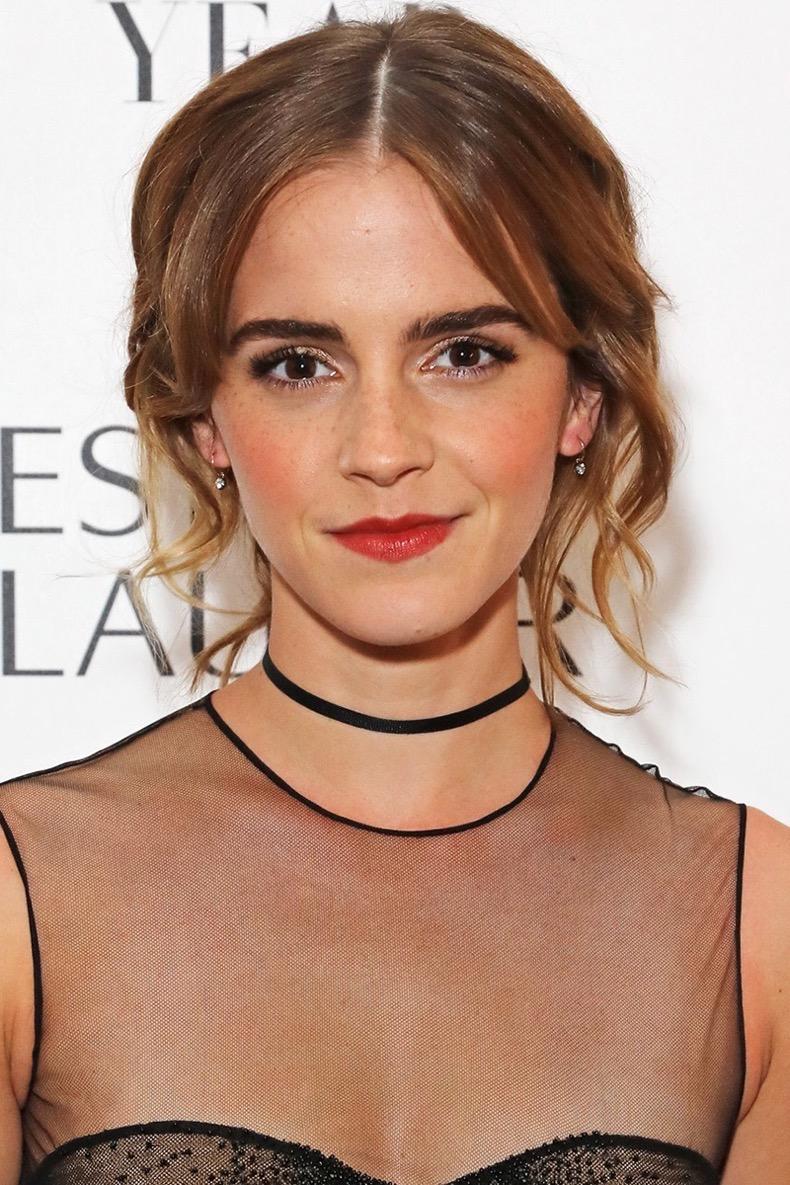 LONDON, ENGLAND - OCTOBER 31:  Emma Watson attends the Harper's Bazaar Women of the Year Awards 2016 at Claridge's Hotel on October 31, 2016 in London, England.  (Photo by David M. Benett/Dave Benett/Getty Images for Harper's Bazaar)