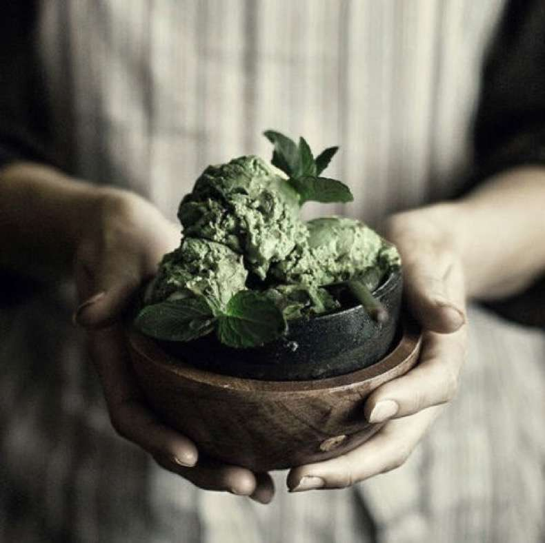 hbz-diet-tips-and-tricks-07-matcha-everything-matchaeologist-instagram