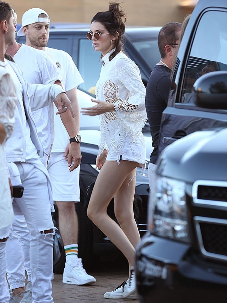 Malibu, CA - It girl Kendall Jenner arrives to Nobu to celebrate Independence Day with her friends. The young model is wearing white denim shorts paired with a sheer lace top and sneakers.  AKM-GSI          July 4, 2016 To License These Photos, Please Contact : Maria Buda (917) 242-1505 mbuda@akmgsi.com sales@akmgsi.com or  Mark Satter (317) 691-9592 msatter@akmgsi.com sales@akmgsi.com www.akmgsi.com