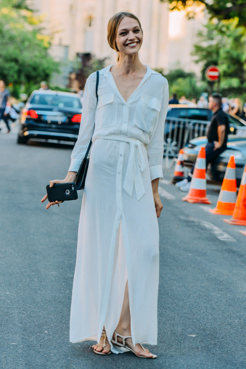 long-white-maxi-dress-lwed-white-dress-model-off-duty-style-summer-work-outfit-fashion-couture-street-style-via-style-com_-jpg-640x959
